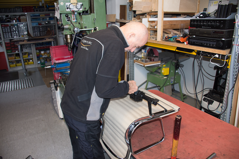 Wagenhuber Reparatur Vitra Service Austausch Gasfeder Wagenhuber Gmbh
